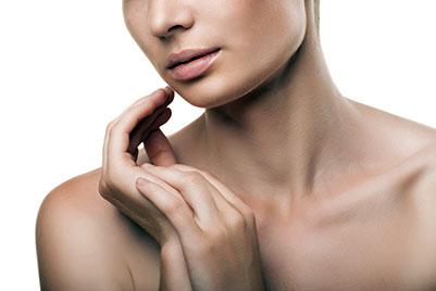 Traitez votre peau des mains et du décolleté - Dr Magnier à Charenton